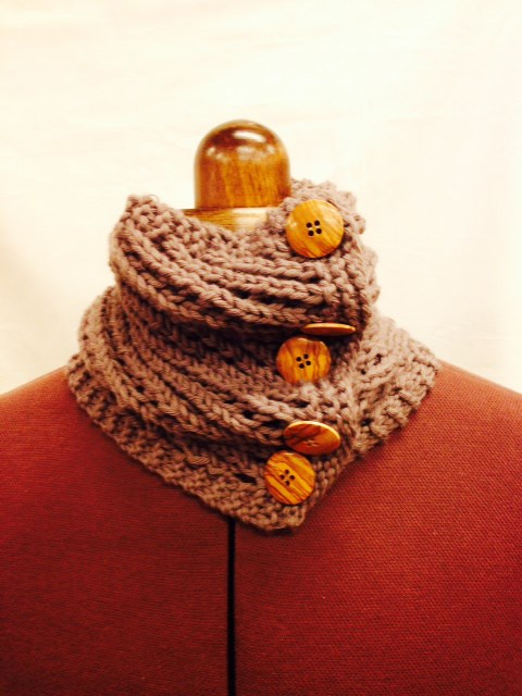 Cuello Stich and Stones